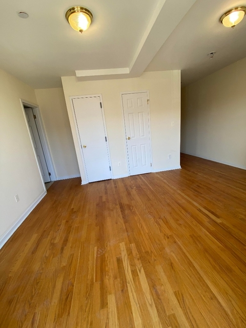 Studio, Greenpoint Rental in NYC for $1,999 - Photo 2