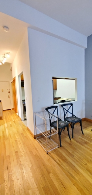 1 Bedroom, Hell's Kitchen Rental in NYC for $4,500 - Photo 2