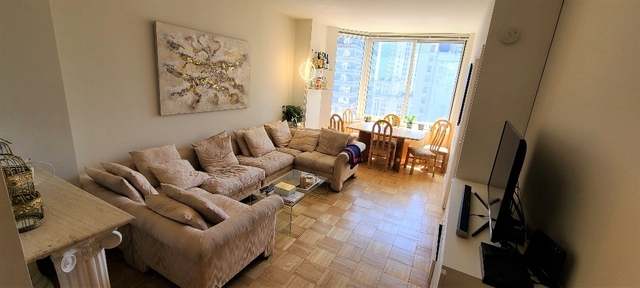 2 Bedrooms, Financial District Rental in NYC for $4,178 - Photo 2