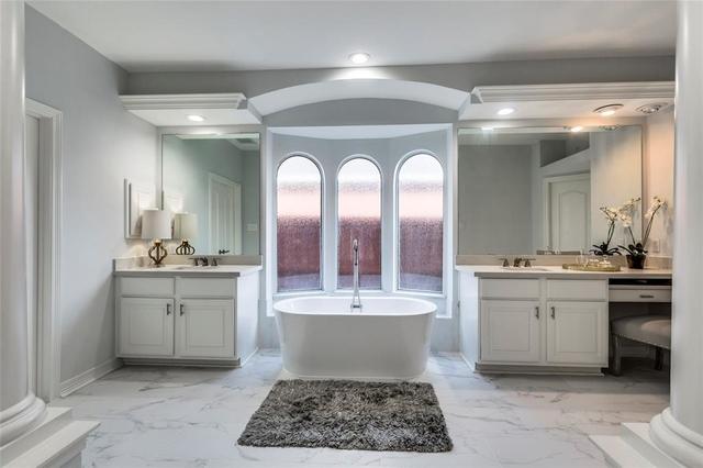 4 Bedrooms, Lakes on Eldridge North Rental in Houston for $3,900 - Photo 2