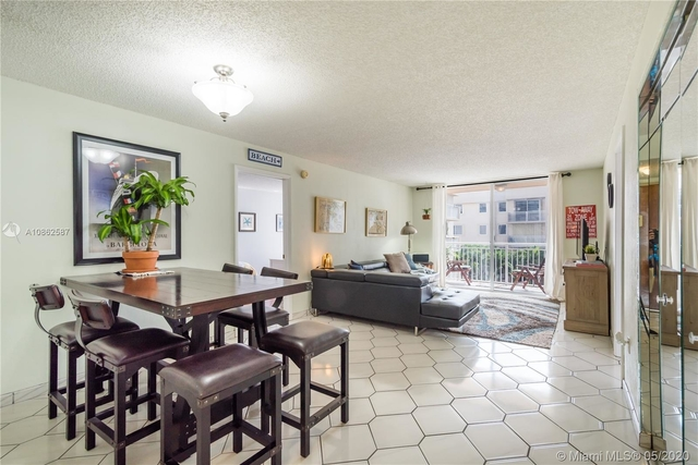 2 Bedrooms, Belle View Rental in Miami, FL for $2,000 - Photo 2