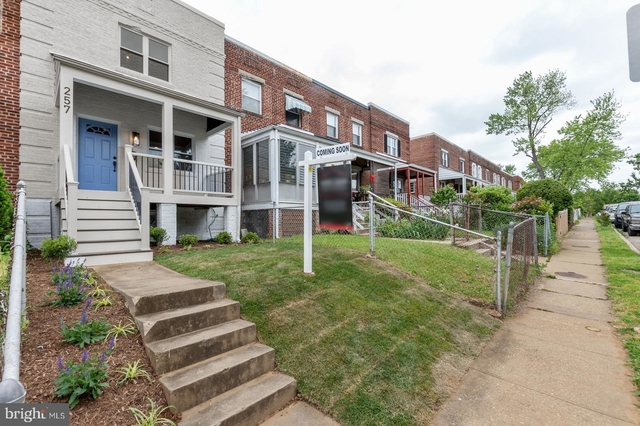 2 Bedrooms, Lynhaven Rental in Washington, DC for $3,300 - Photo 2
