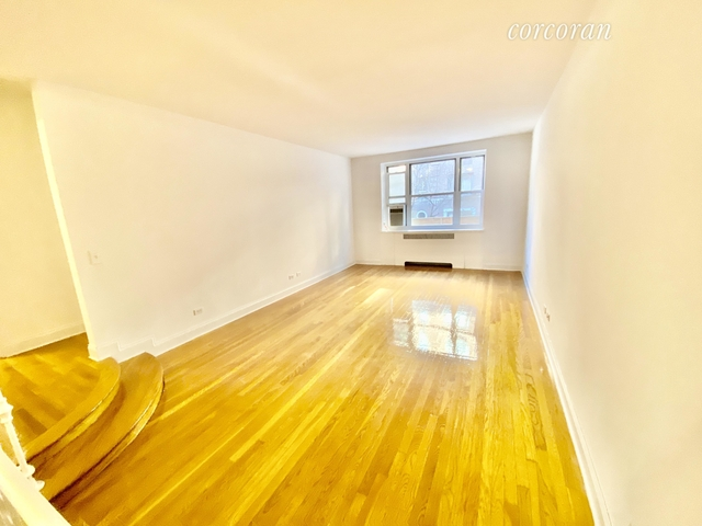 1 Bedroom, Hell's Kitchen Rental in NYC for $3,399 - Photo 1