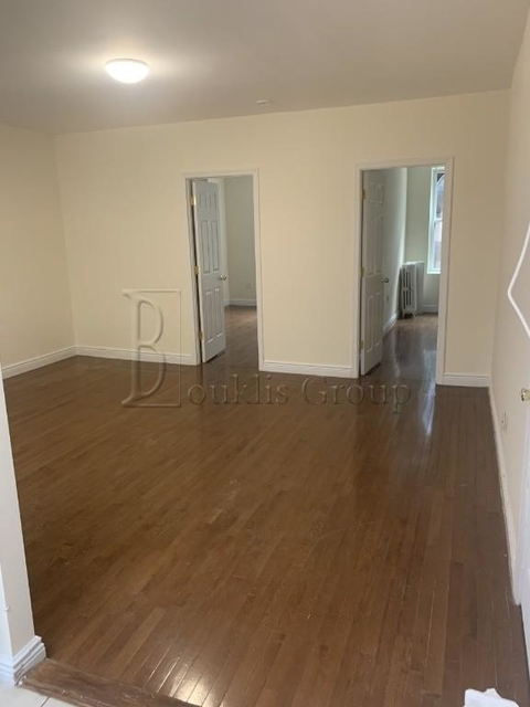4 Bedrooms, Astoria Rental in NYC for $3,000 - Photo 2