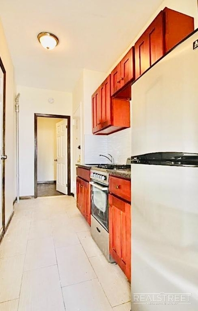 2 Bedrooms, Chinatown Rental in NYC for $2,100 - Photo 1