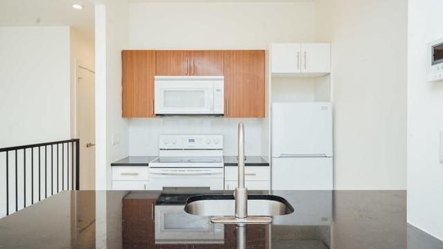 1 Bedroom, Bushwick Rental in NYC for $2,375 - Photo 2