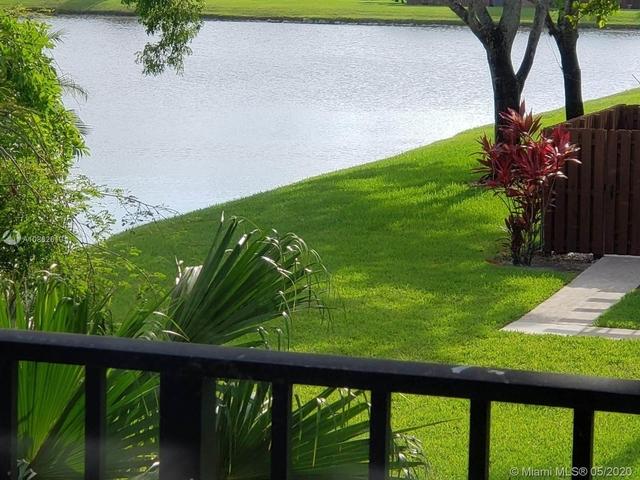 3 Bedrooms, Lake Pine Village Rental in Miami, FL for $2,250 - Photo 2