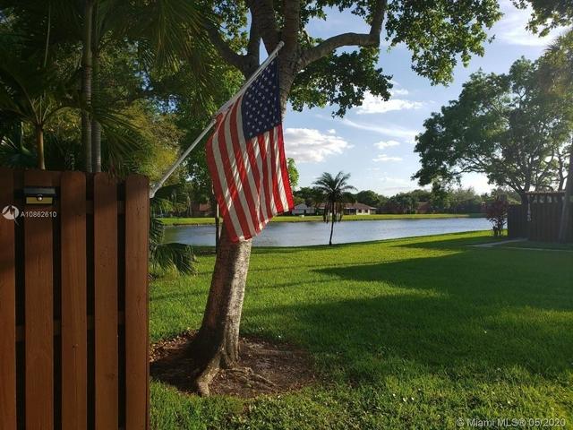 3 Bedrooms, Lake Pine Village Rental in Miami, FL for $2,250 - Photo 1