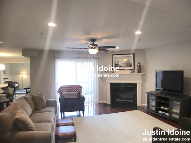 2 Bedrooms, Winchester Town Center Rental in Boston, MA for $3,200 - Photo 2
