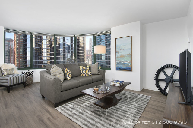2 Bedrooms, Gold Coast Rental in Chicago, IL for $3,215 - Photo 1