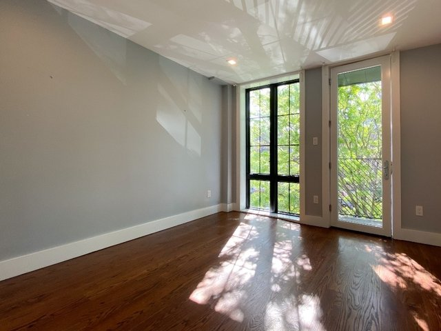 4 Bedrooms, Crown Heights Rental in NYC for $3,800 - Photo 2