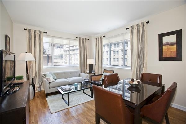 2 Bedrooms, Financial District Rental in NYC for $4,700 - Photo 2