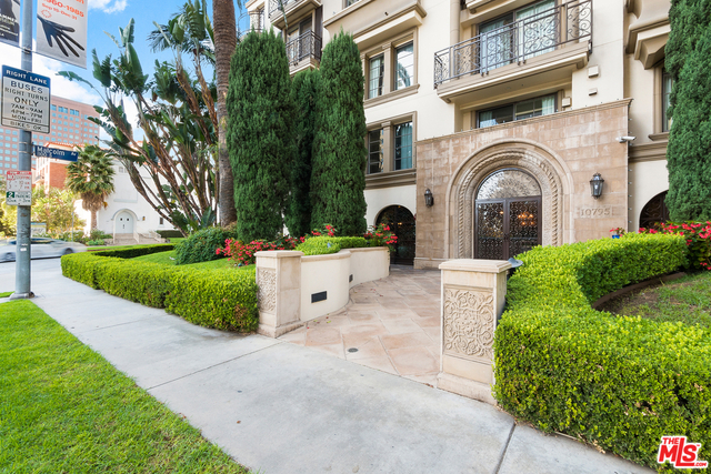 2 Bedrooms, Westwood Rental in Los Angeles, CA for $6,300 - Photo 2