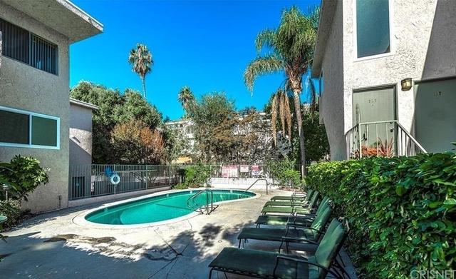 3 Bedrooms, Sherman Oaks Rental in Los Angeles, CA for $2,670 - Photo 2