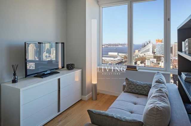 Studio, Hell's Kitchen Rental in NYC for $2,999 - Photo 2