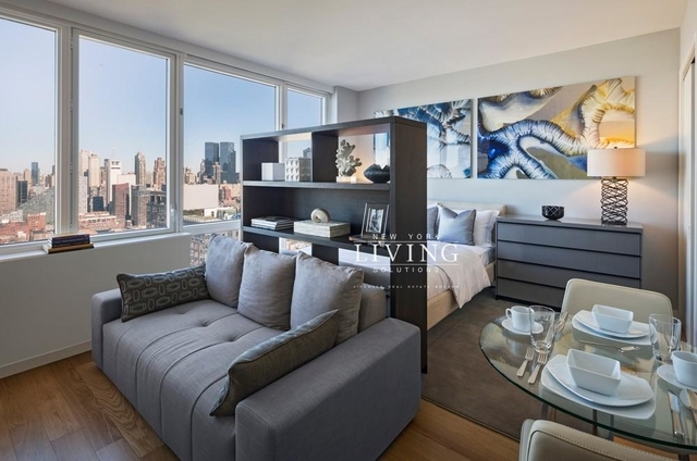 Studio, Hell's Kitchen Rental in NYC for $2,999 - Photo 1