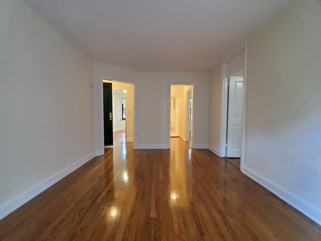 2 Bedrooms, Woodside Rental in NYC for $2,600 - Photo 1