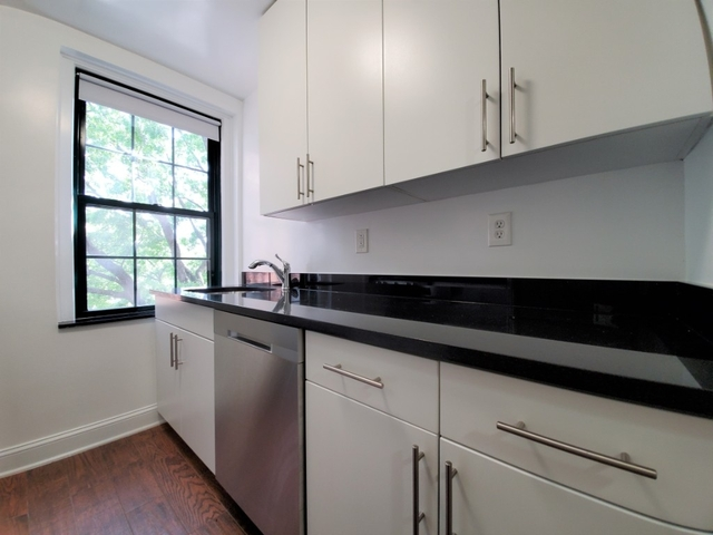Studio, Woodside Rental in NYC for $1,725 - Photo 2