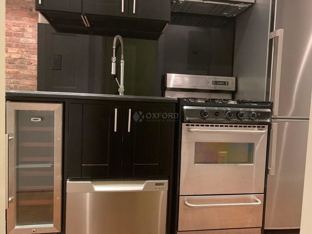 3 Bedrooms, Alphabet City Rental in NYC for $5,533 - Photo 2