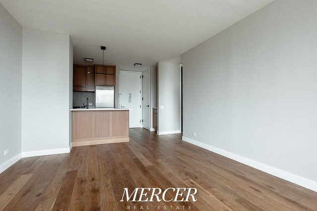 3 Bedrooms, Hell's Kitchen Rental in NYC for $6,800 - Photo 2