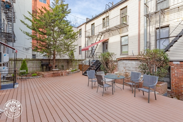 2 Bedrooms, Greenpoint Rental in NYC for $2,499 - Photo 1
