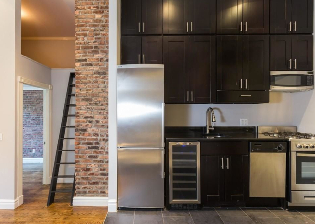 3 Bedrooms, West Village Rental in NYC for $6,350 - Photo 2