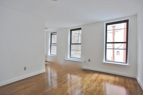 2 Bedrooms, Murray Hill Rental in NYC for $3,175 - Photo 2