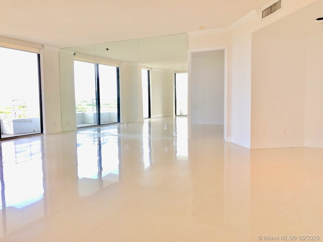 2 Bedrooms, Biscayne Yacht & Country Club Rental in Miami, FL for $2,300 - Photo 1
