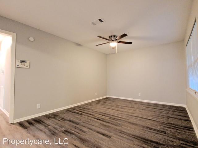 3 Bedrooms, Eastridge Terrace Rental in Houston for $1,395 - Photo 2