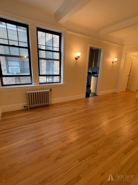 1 Bedroom, Carnegie Hill Rental in NYC for $5,775 - Photo 2