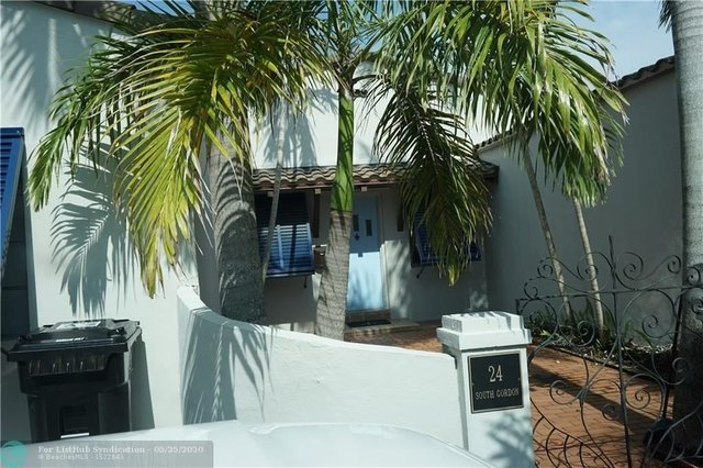 3 Bedrooms, Hendricks and Venice Isles Rental in Miami, FL for $3,450 - Photo 2