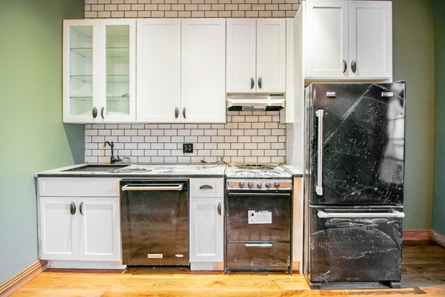 3 Bedrooms, Ridgewood Rental in NYC for $2,777 - Photo 2