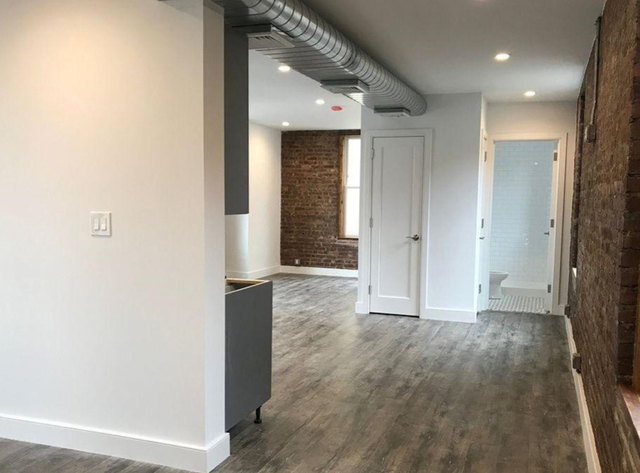 Studio, Astoria Rental in NYC for $2,500 - Photo 2