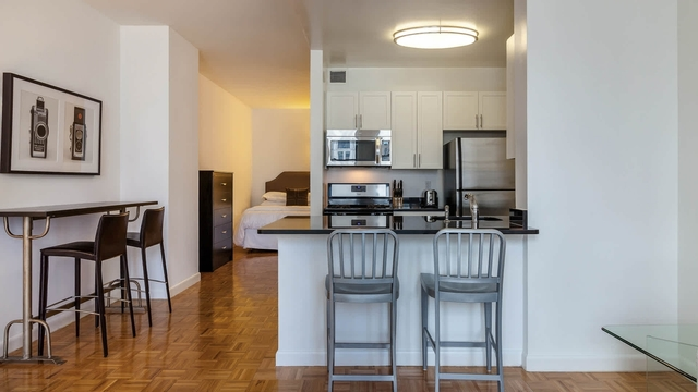 Studio, Financial District Rental in NYC for $3,189 - Photo 2