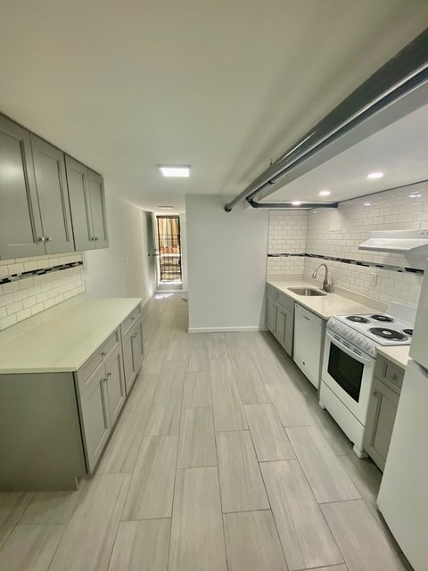 2 Bedrooms, Yorkville Rental in NYC for $4,450 - Photo 2