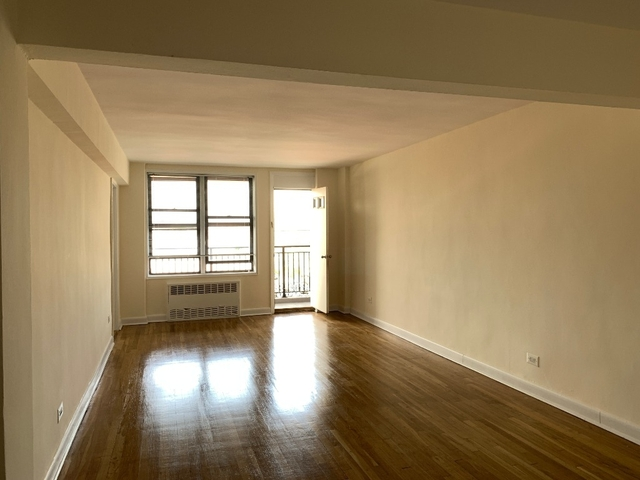 2 Bedrooms, Gravesend Rental in NYC for $2,150 - Photo 2