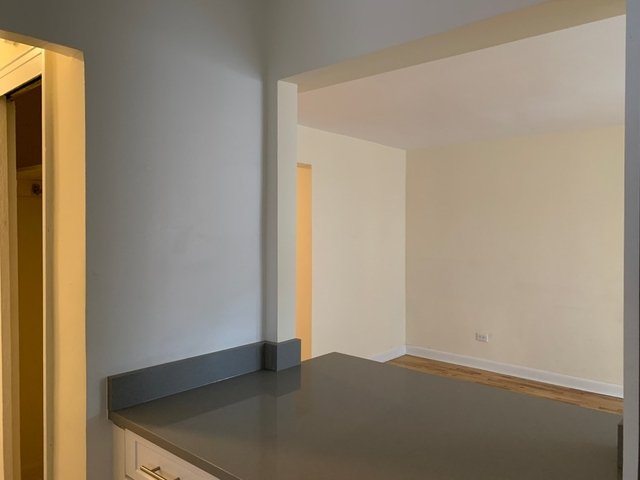 2 Bedrooms, Gravesend Rental in NYC for $2,365 - Photo 2