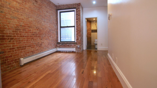 3 Bedrooms, Crown Heights Rental in NYC for $3,354 - Photo 2