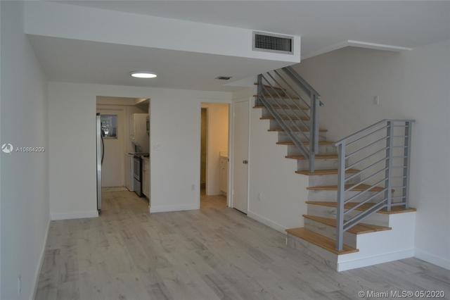 2 Bedrooms, Village of Key Biscayne Rental in Miami, FL for $3,500 - Photo 2