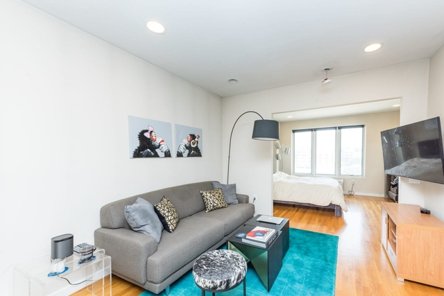 Studio, Long Island City Rental in NYC for $2,215 - Photo 2