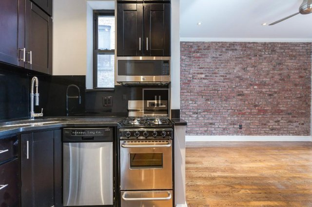 2 Bedrooms, West Village Rental in NYC for $6,495 - Photo 2