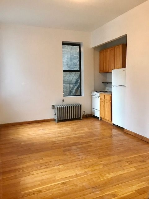Studio, Hell's Kitchen Rental in NYC for $1,999 - Photo 2