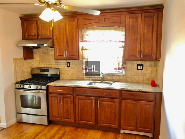 2 Bedrooms, Ozone Park Rental in NYC for $2,400 - Photo 1