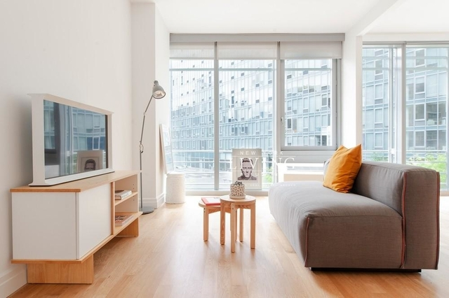 Studio, Hell's Kitchen Rental in NYC for $2,996 - Photo 1