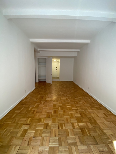 1 Bedroom, Yorkville Rental in NYC for $2,965 - Photo 2
