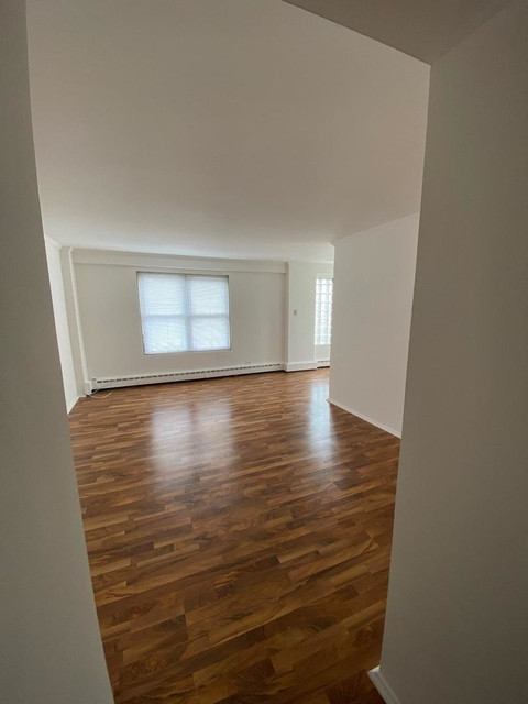 1 Bedroom, Budlong Woods Rental in Chicago, IL for $990 - Photo 2