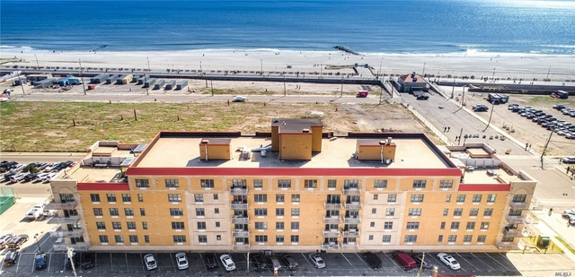 2 Bedrooms, Central District Rental in Long Island, NY for $4,250 - Photo 1