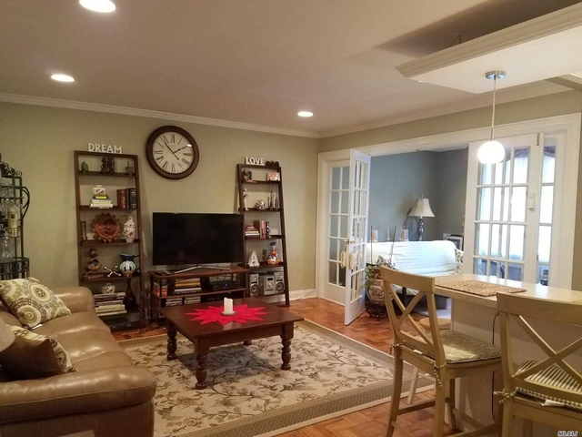 2 Bedrooms, Great Neck Plaza Rental in Long Island, NY for $2,500 - Photo 1