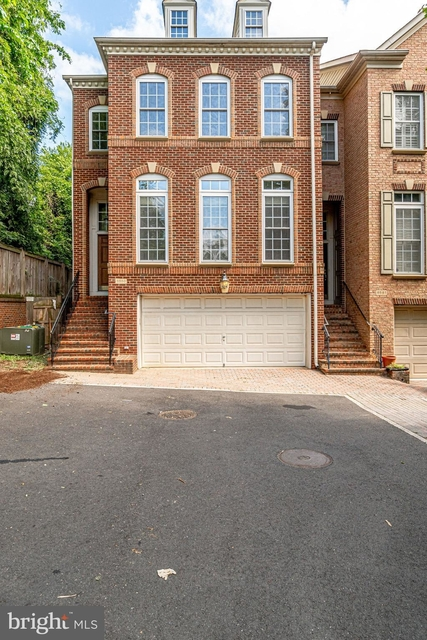 3 Bedrooms, East Falls Church Rental in Washington, DC for $4,400 - Photo 1