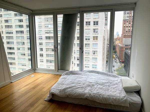 Studio, Lincoln Square Rental in NYC for $3,590 - Photo 2